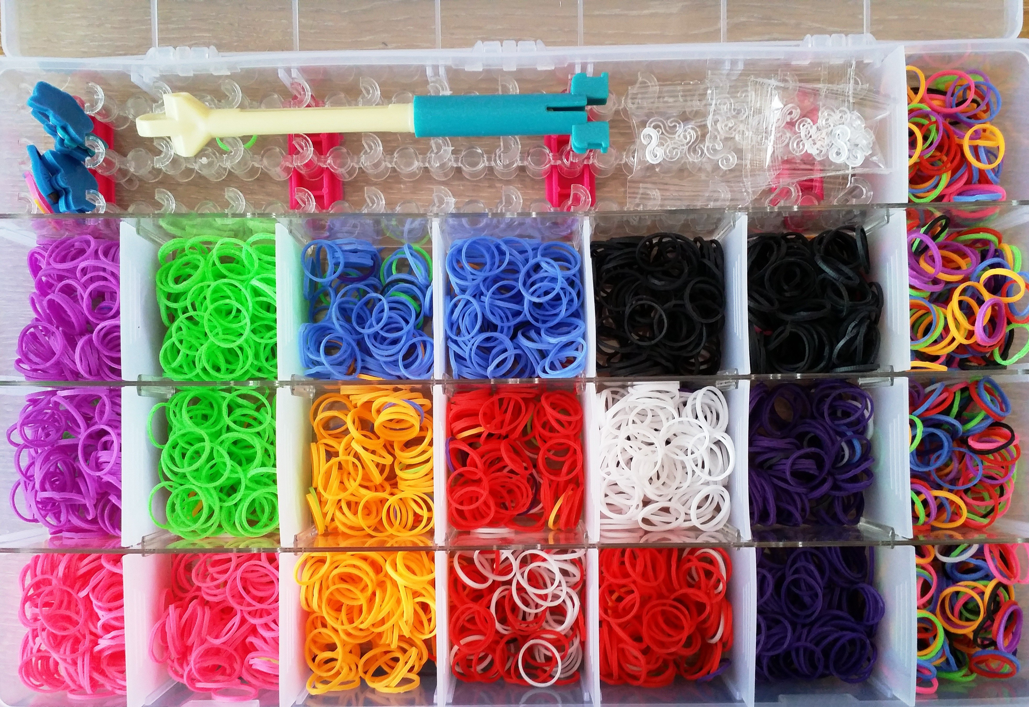 1 X 4000 Bands Loom Band Kit With Adjustable Loom Board S Sclips Pro Tool And Charms